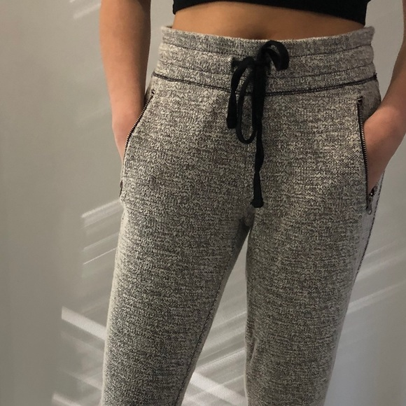 AE Grey Fitted Sweatpants Size: S